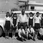 Οι μαθητές του Αβδελλερού κατά τη μεταφορά τους σε σχολείο του Δήμου Αραδίππου - 1972